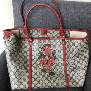7e548fd8c21 Gucci Bags - AUTHENTIC Gucci Large Joy Tote-Rose heart Tattoo-
